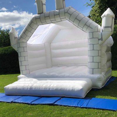 white wedding bouncy castle-min